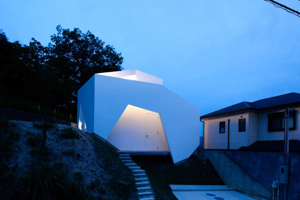 Wear House / Akitoshi Ukai/AUAU