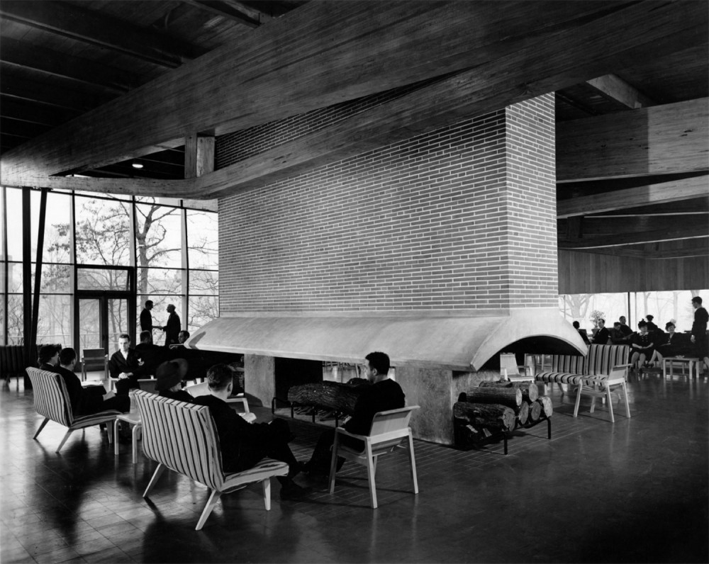 AD Classics: Great Lakes Naval Training Center, Hostess House / SOM