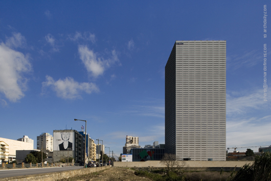 More Photographs of Eduardo Souto de Moura&#8217;s Burgo Tower