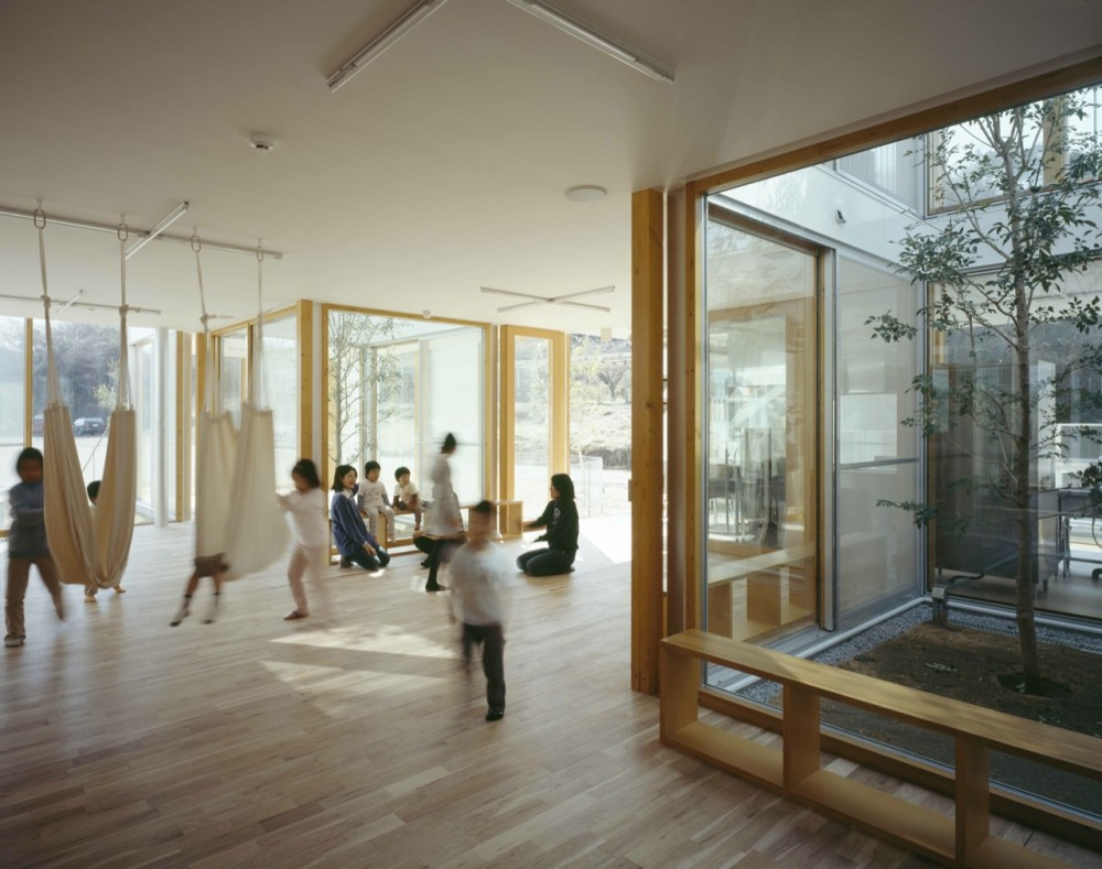 Hongodai Christ Church School & Nursery / Takeshi Hosaka Architects