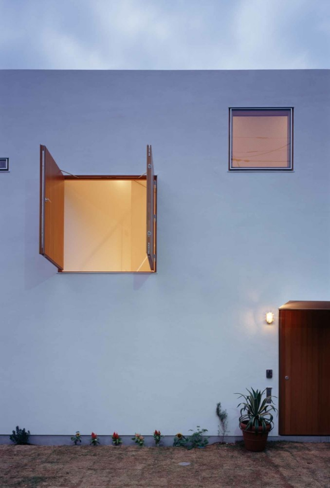 Inside House & Outside House / Takeshi Hosaka Architects