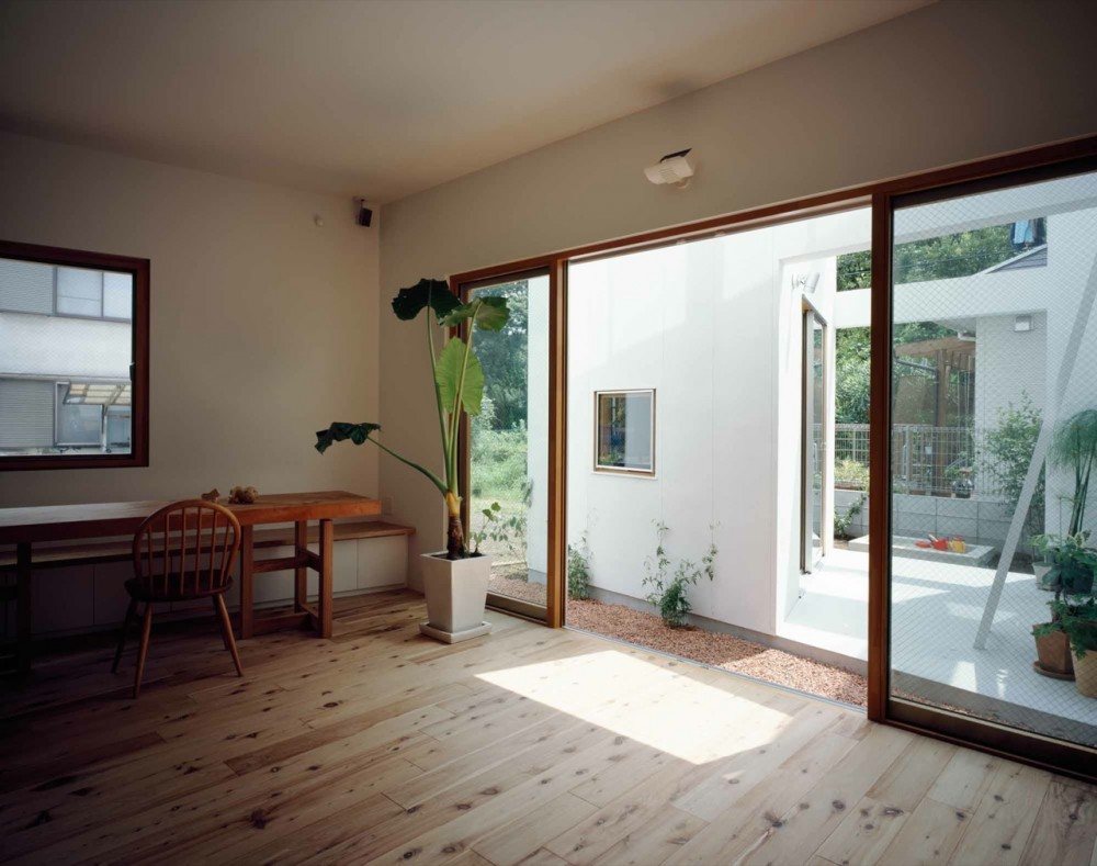 Architecture photography inside house outside house takeshi hosaka architects 127460 - Inside house ...