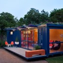 Container Guest House / Poteet Architects © Chris Cooper
