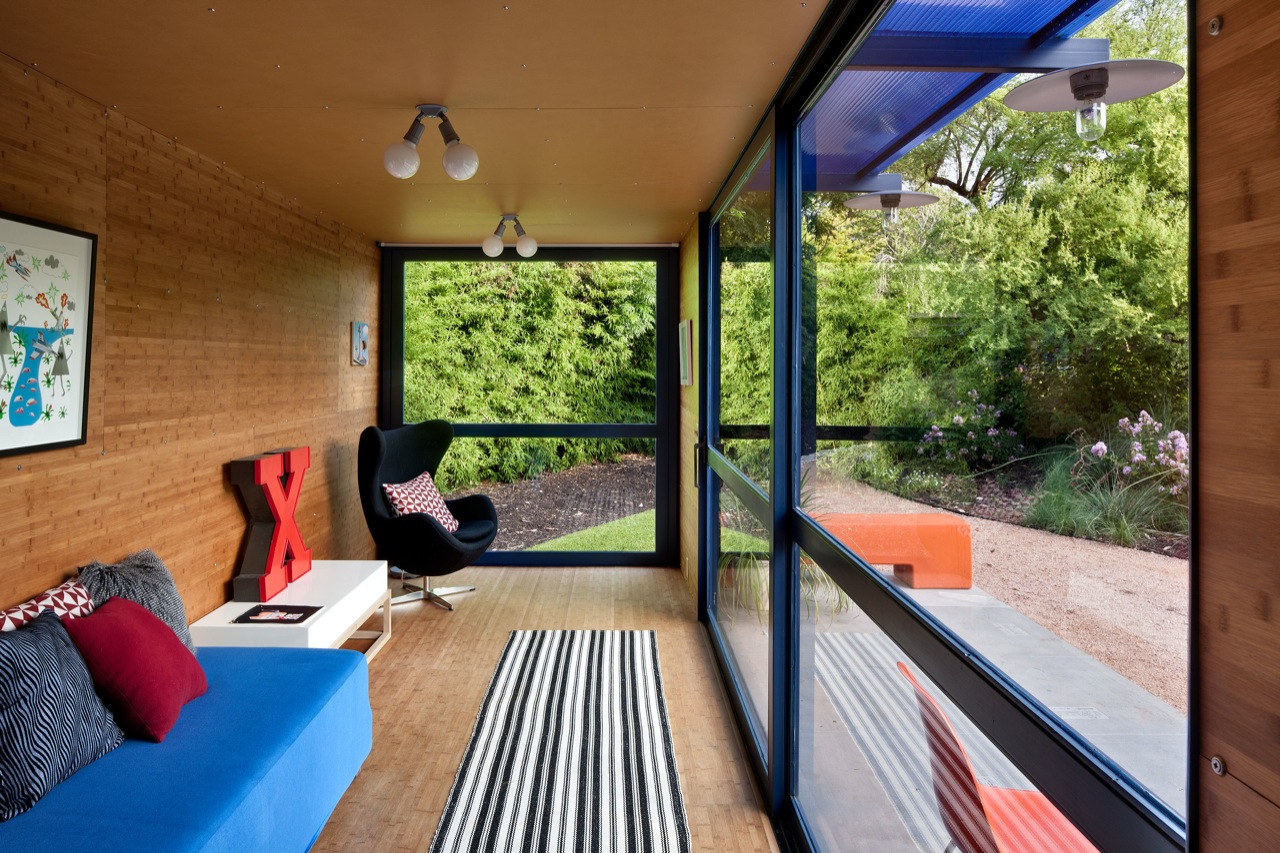 poteet architects - container guest house - container home - designfutz