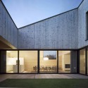 Wooden House With An Inner Courtyard / DI Bernardo Bader © DI Bernardo Bader