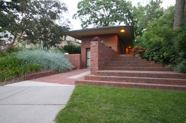 AD Classics: Willey House / Frank Lloyd Wright