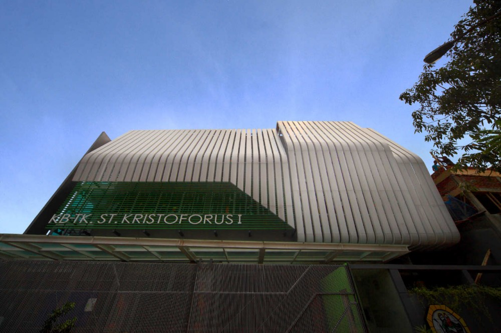 St. Kristoforus Kindergarten / Chrystalline Artchitect