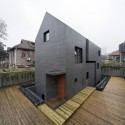 Concrete Slit House / AZL architects © Iwan Baan