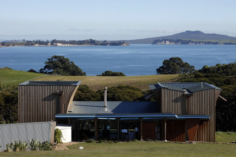 Waiheke Island House / Mitchell and Stout Architects