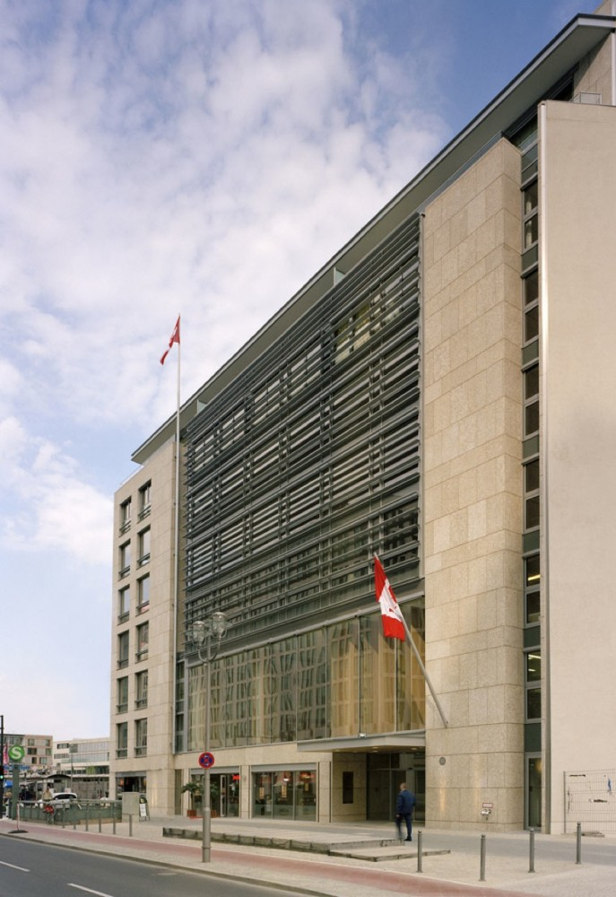 Canadian Embassy Berlin / KPMB Architects with Gagnon, Letellier, Cyr, architectes and Smith Carter Architects + Engineers
