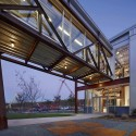 Buckner Companies Headquarters / Weinstein Friedlein Architects © James West