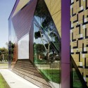 Avondale Heights Library And Learning Centre / H2o architects © Trevor Mein