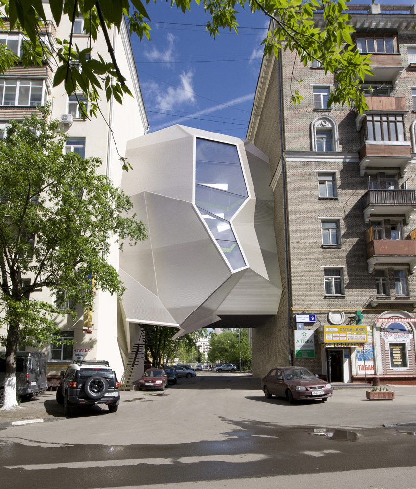 Parasite Office / za bor architects  Peter Zaytsev