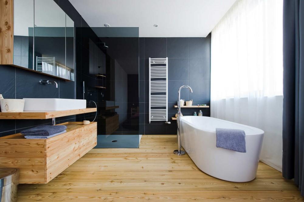 Forum bois clair salle de bains - Salle de bain avec parquet ...