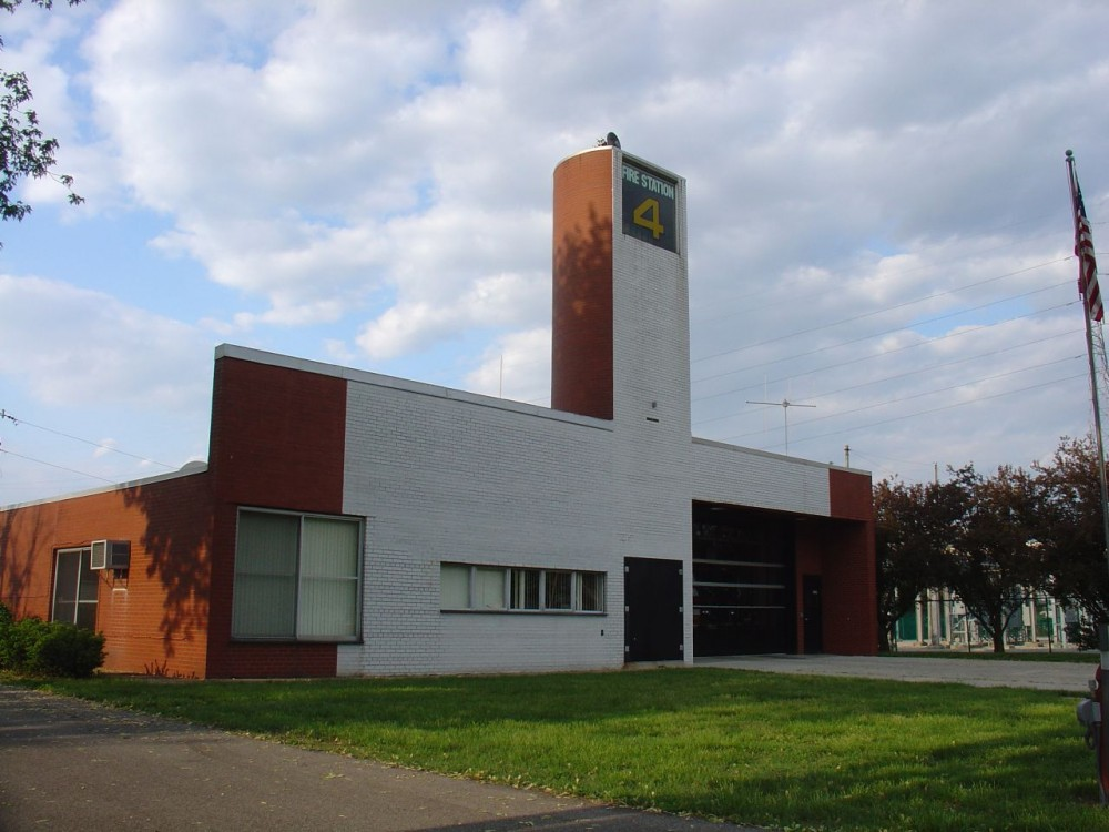 Architecture photography fire station 4 robert venturi for Modern and postmodern design of building