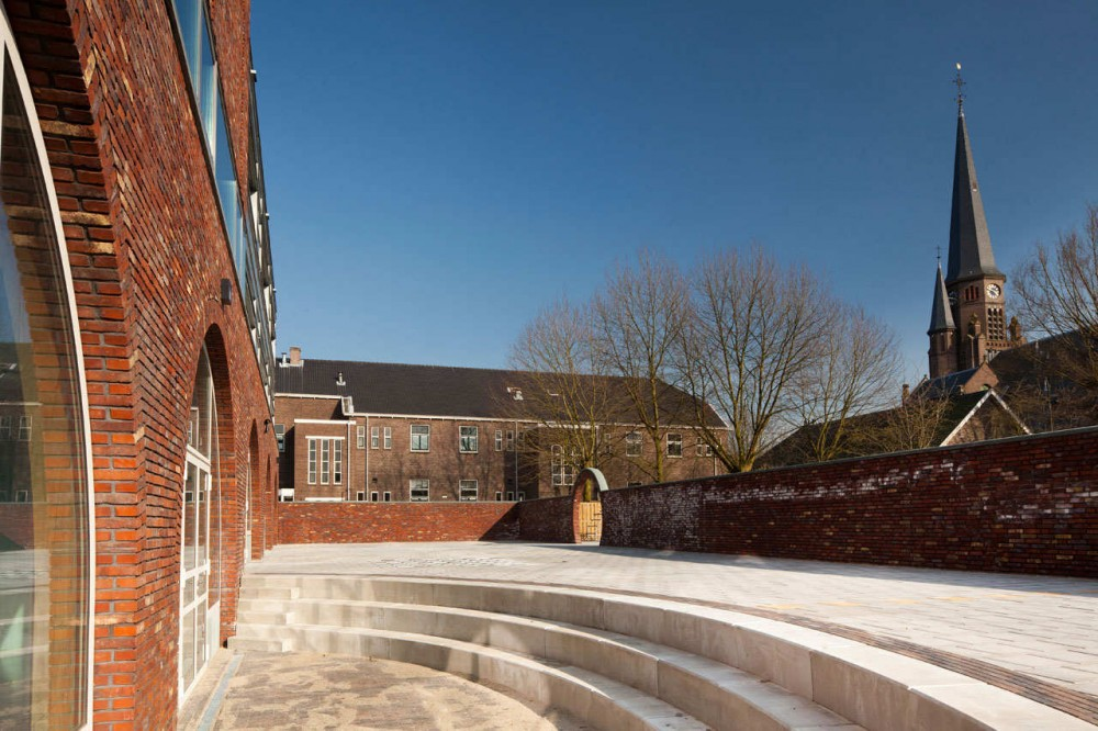 Bonifacius School / FARO Architecten
