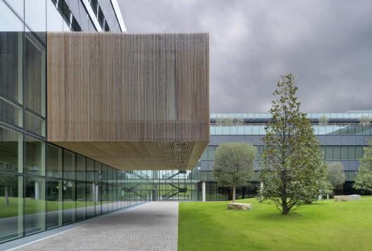 Diesel headquarters studio ricatti archdaily for Diesel headquarters breganze