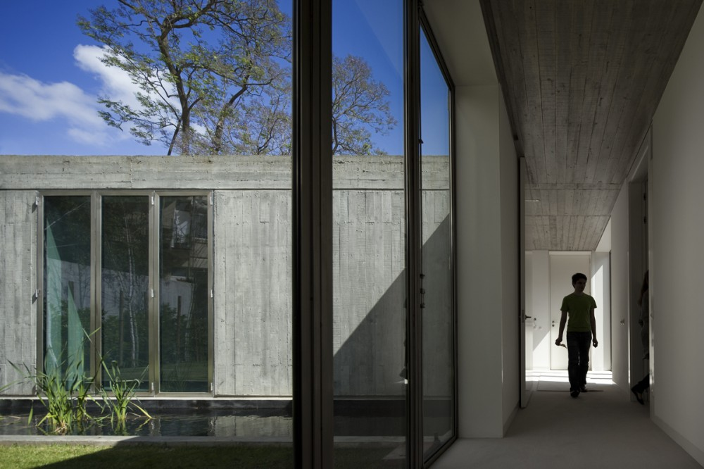 Santa Isabel House / Ricardo Bak Gordon