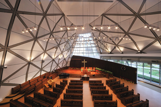 Church of Suan-Lien Center for the Elderly / J.J. Pan &#038; Partners