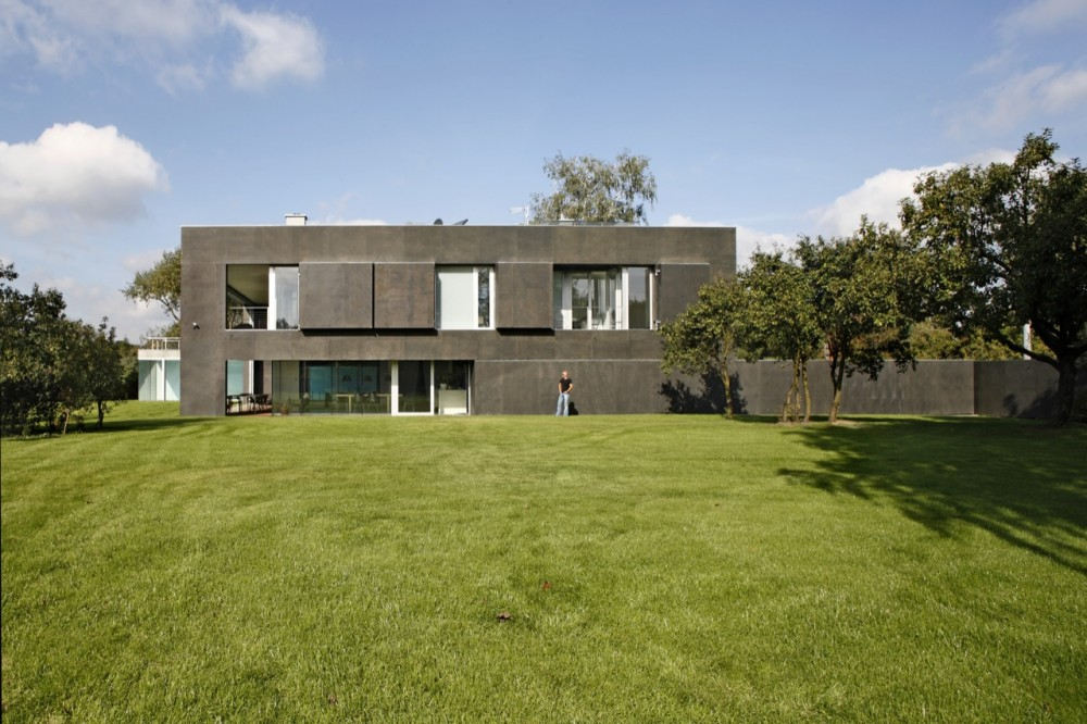 Safe House / KWK Promes