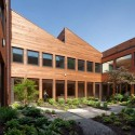 Clyde F. Barker Penn Transplant House / Rafael Violy Architects  Ty Cole