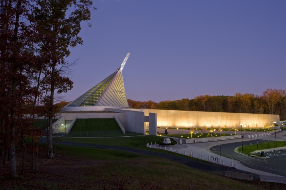 National Museum of the Marine Corps / Fentress Architects