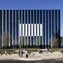 Corby Cube: Civic Hub and Arts Centre / Hawkins\Brown © Tim Crocker