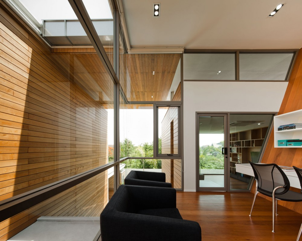 L71 House / OFFICE AT Co.