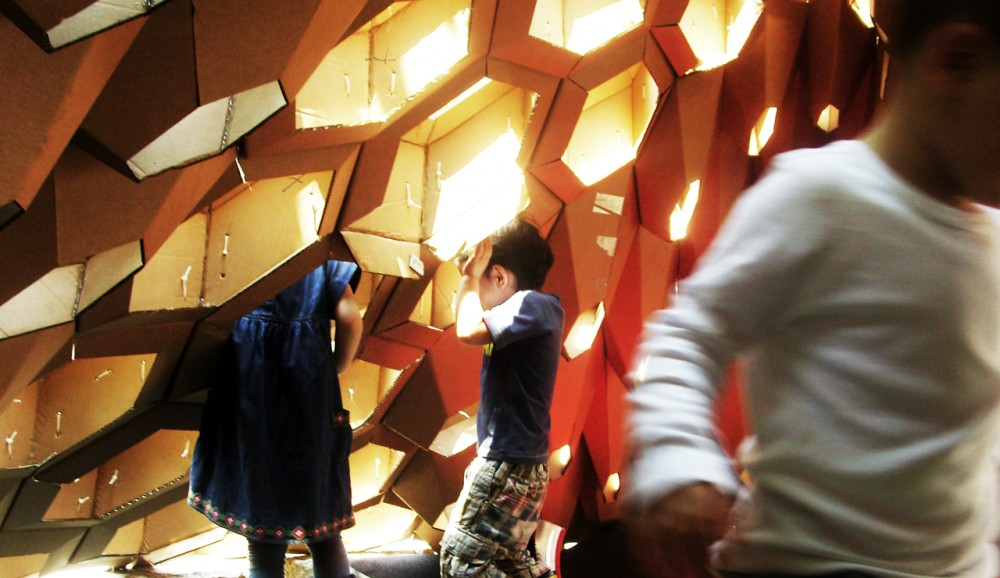 Hexigloo Pavilion / Tudor Cosmatu, Irina Bogdan, Andrei Raducanu