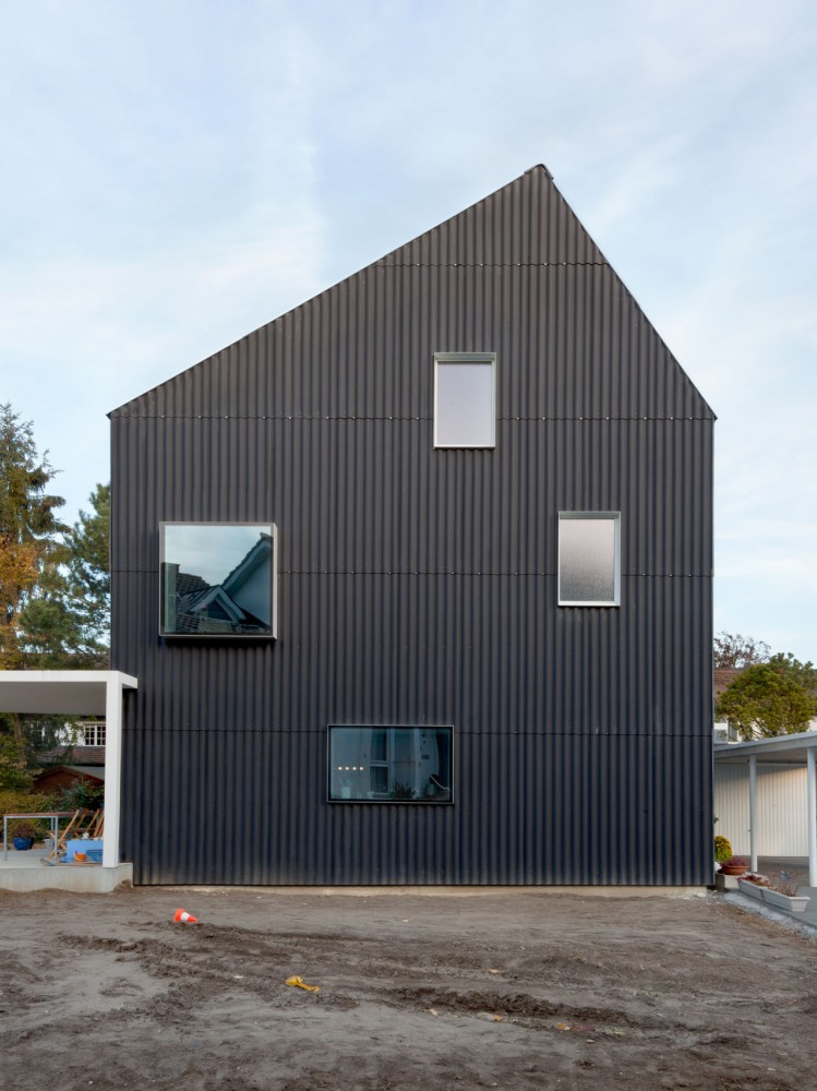House in Bellmund / EXH Design