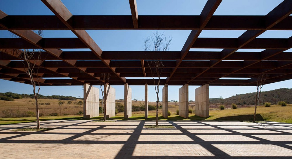 Welcome Center / Rocco, Vidal + arquitetos