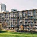 Robin Hood Gardens / Alison and Peter Smithson (10) Photo by rb. fzz - http://www.flickr.com/photos/rbfzz/
