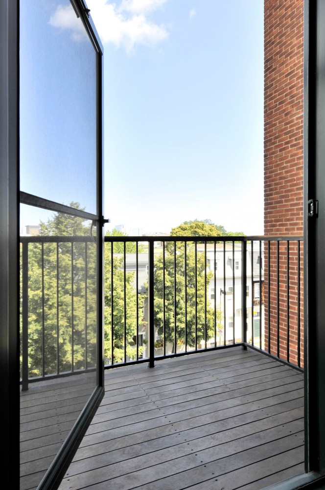 B Street Lofts / Touloukian Touloukian Inc.