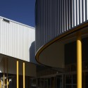 Morris Iemma Indoor Sports Center / McPhee Architects © Sharrin Rees