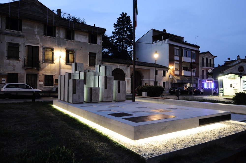 Monument of Alpini in Rossano Veneto / Paolo Didonè + Devvy Comacchio © Claudia Nalesso
