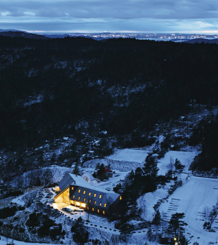 Pulpit Rock Mountain Lodge / Helen &#038; Hard