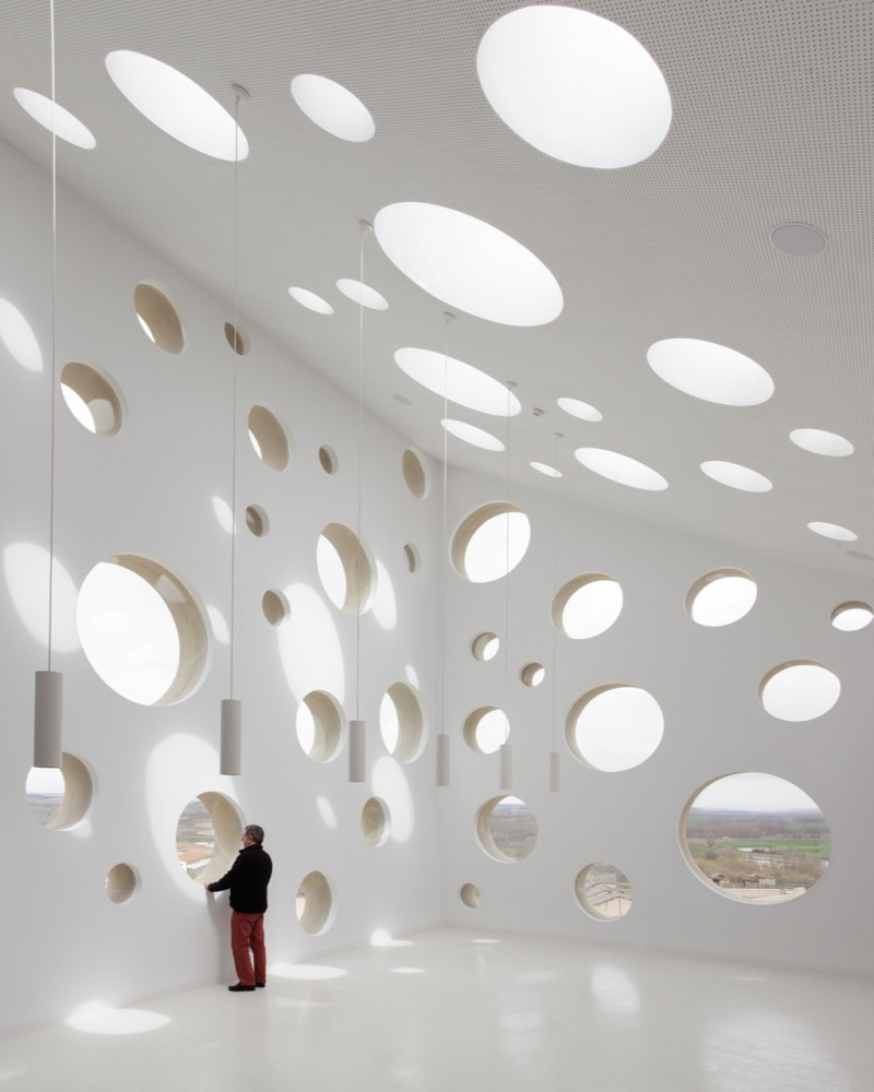 Ribera del Duero Headquarters / Estudio Barozzi Veiga