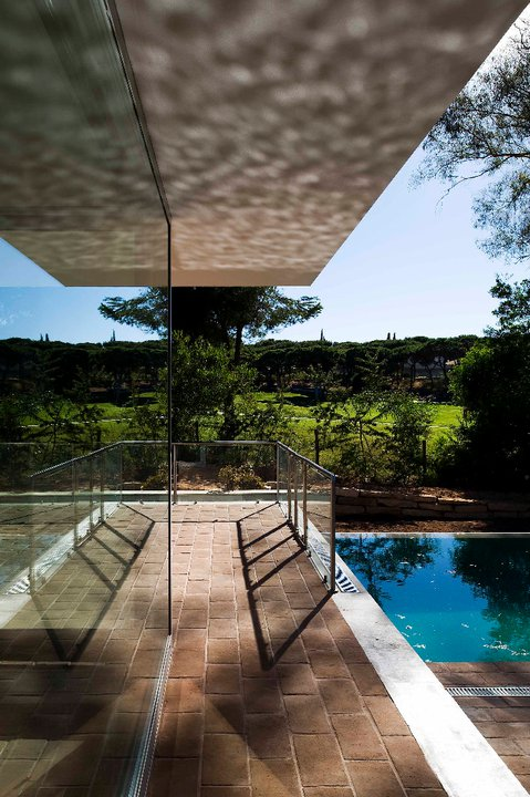 House in Vilamoura / Pedro Rogado with Vasco Mendia