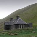 Ackling Cook Bothy / Reiach and Hall Architects Courtesy of Reiach and Hall Architects