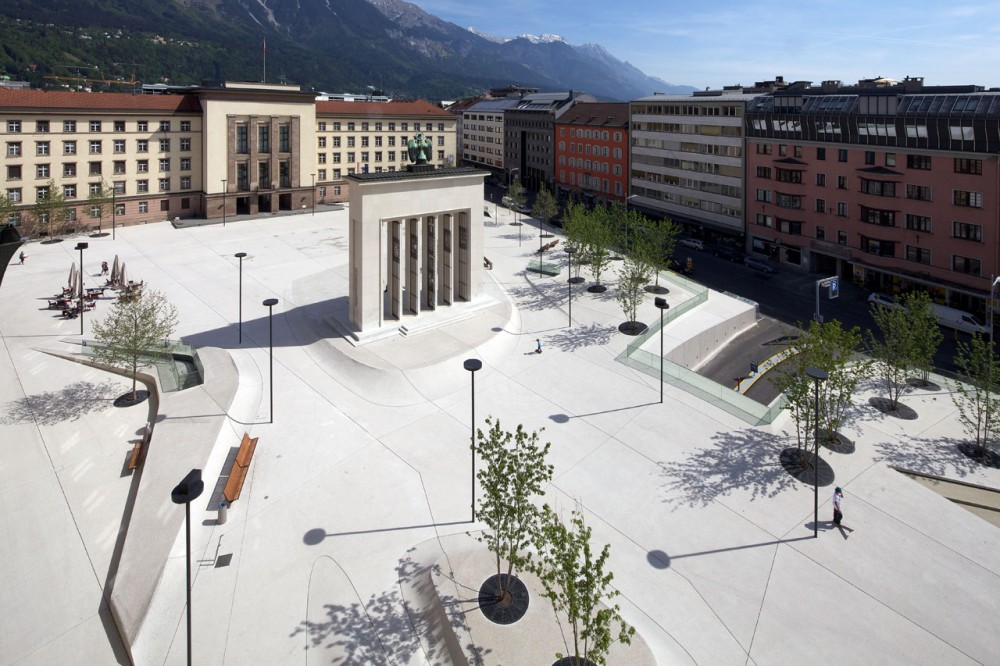 New Design for Eduard-Wallnöfer-Platz Public Square / LAAC Architekten + Stiefel Kramer Architecture