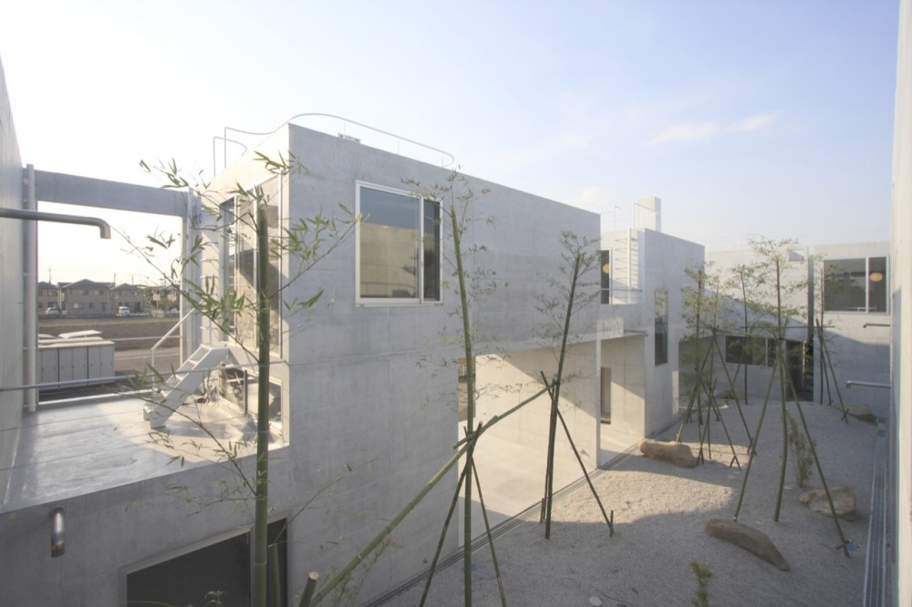 Static Quarry / Ikimono Architects