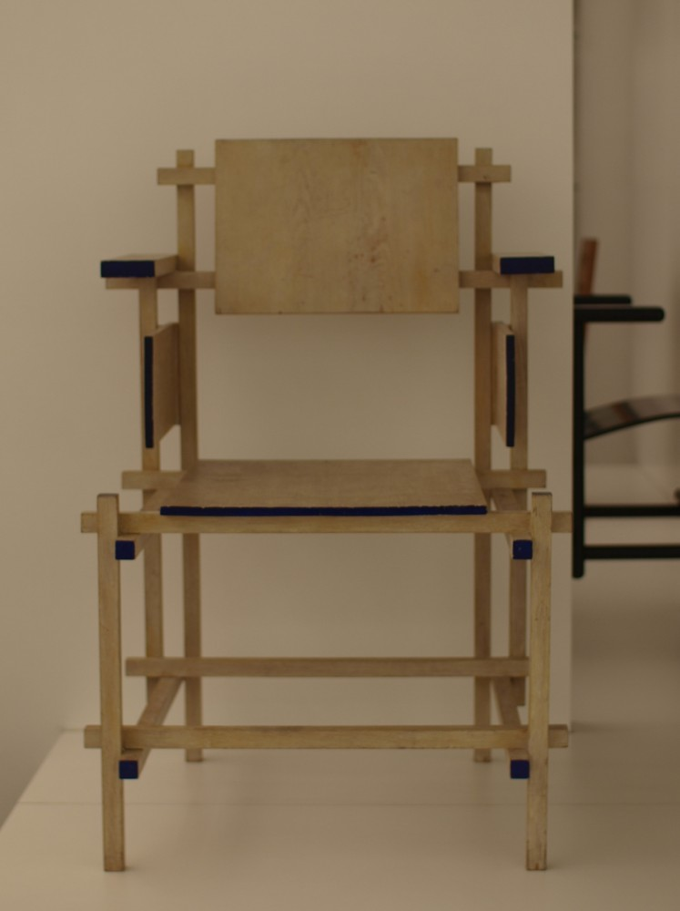 Review: De Stoel van Rietveld: Rietveld&#8217;s Chair, book + film by Marijke Kuper &amp; Lex Reitsma