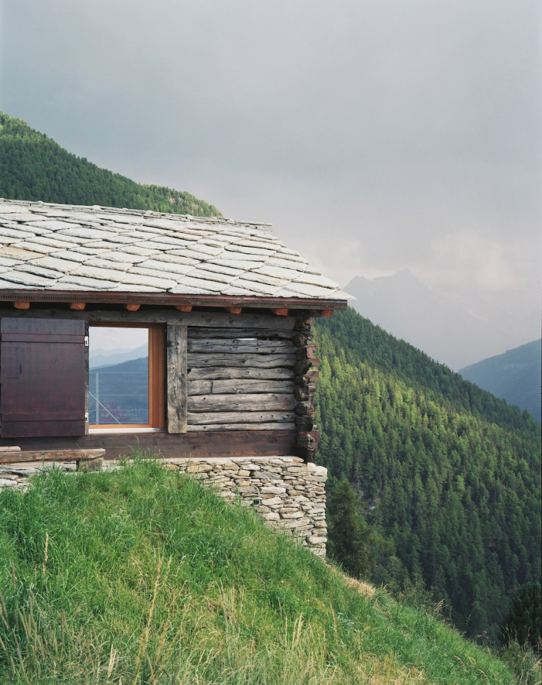 Shelter in the Swiss Alps / Personeni Raffaele Schärer Architectes
