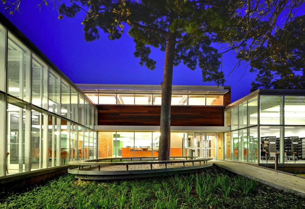 Oak Forest Library / Natalye Appel + Associates Architects with Architect Works, Inc. and James Ray Architects