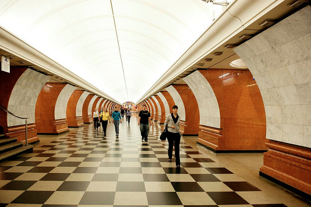 AD Classics: Moscow Metro / Robert Pogrebnoi and Yuriy Zenkivich