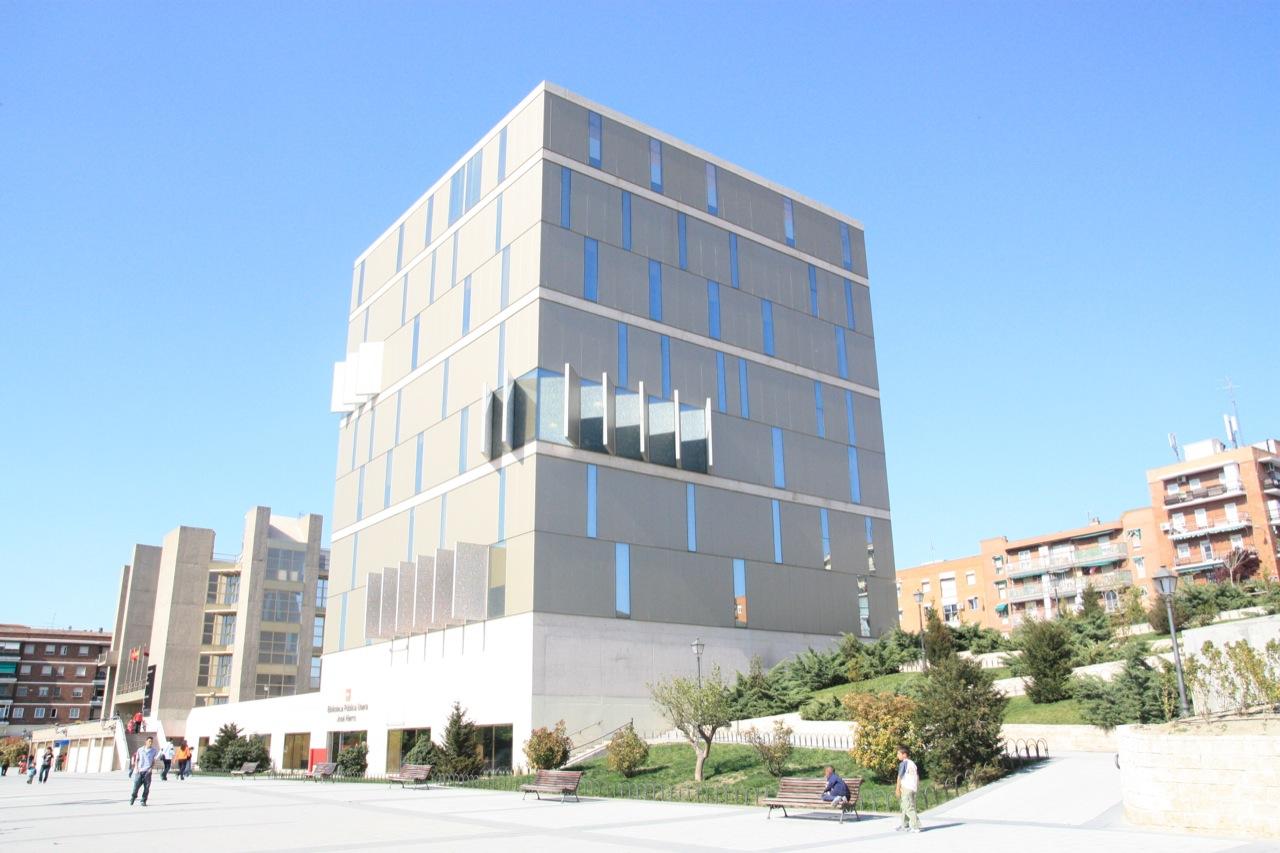 Architecture city guide madrid usera public library abalos sentkiewicz arquitectos with - Arquitectos interioristas madrid ...