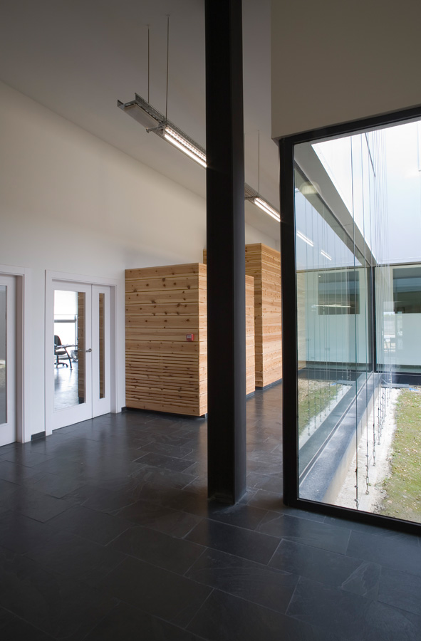 Aluminium Refinery Offices / Madland Estudio &#038; Espacio Papel Arquitectos