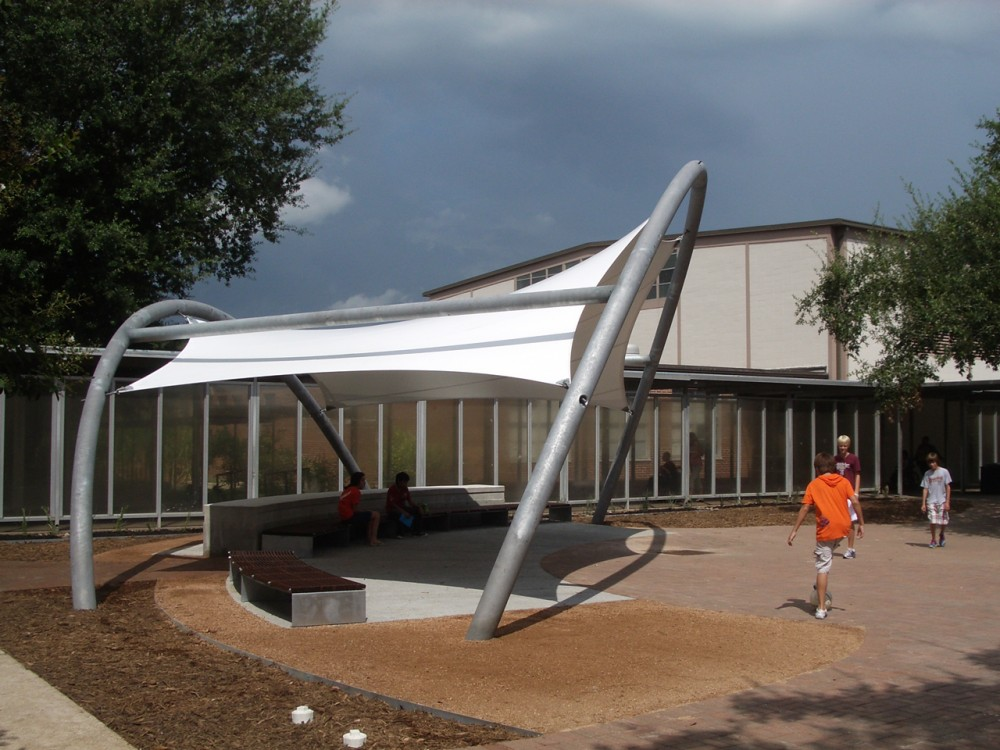 Solar Shade Tree / UH GDBS