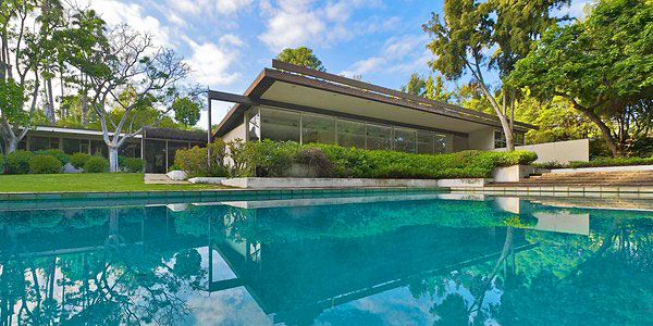 Neutra House Temporarily Spared by Community Action