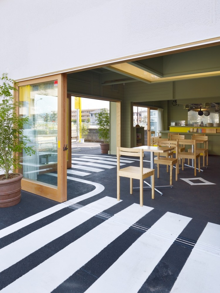 Cafe Day / Suppose Design Office